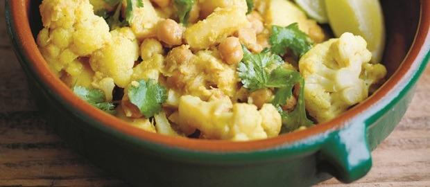 Parsnip, cauliflower and chickpea korma