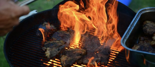 Summer Parties: Feeding a Crowd