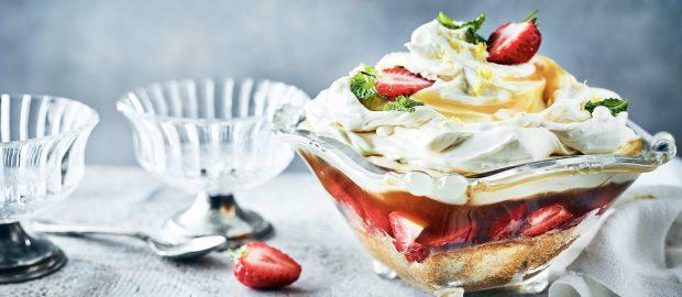 Pimm's Trifle with Lemon Curd Cream